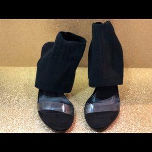 Mackin J Shoes - New with box Mackin J Heels